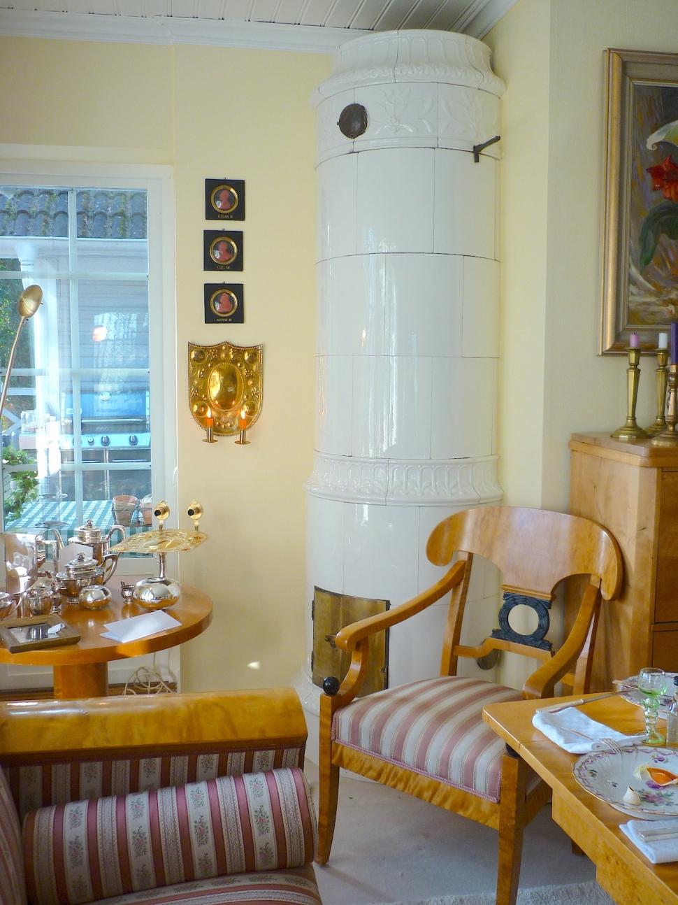 antike schwedische kachel fen modellierte rund fen archive antike schwedische kachel fen. Black Bedroom Furniture Sets. Home Design Ideas